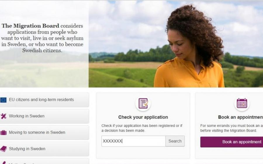 في البداية عليك زيارة موقع دائرة الهجرة السويدية على شبكة الإنترنت و هو : http://www.migrationsverket.se/ ثم في الأعلى عليك إختيار اللغة الإنكليزية